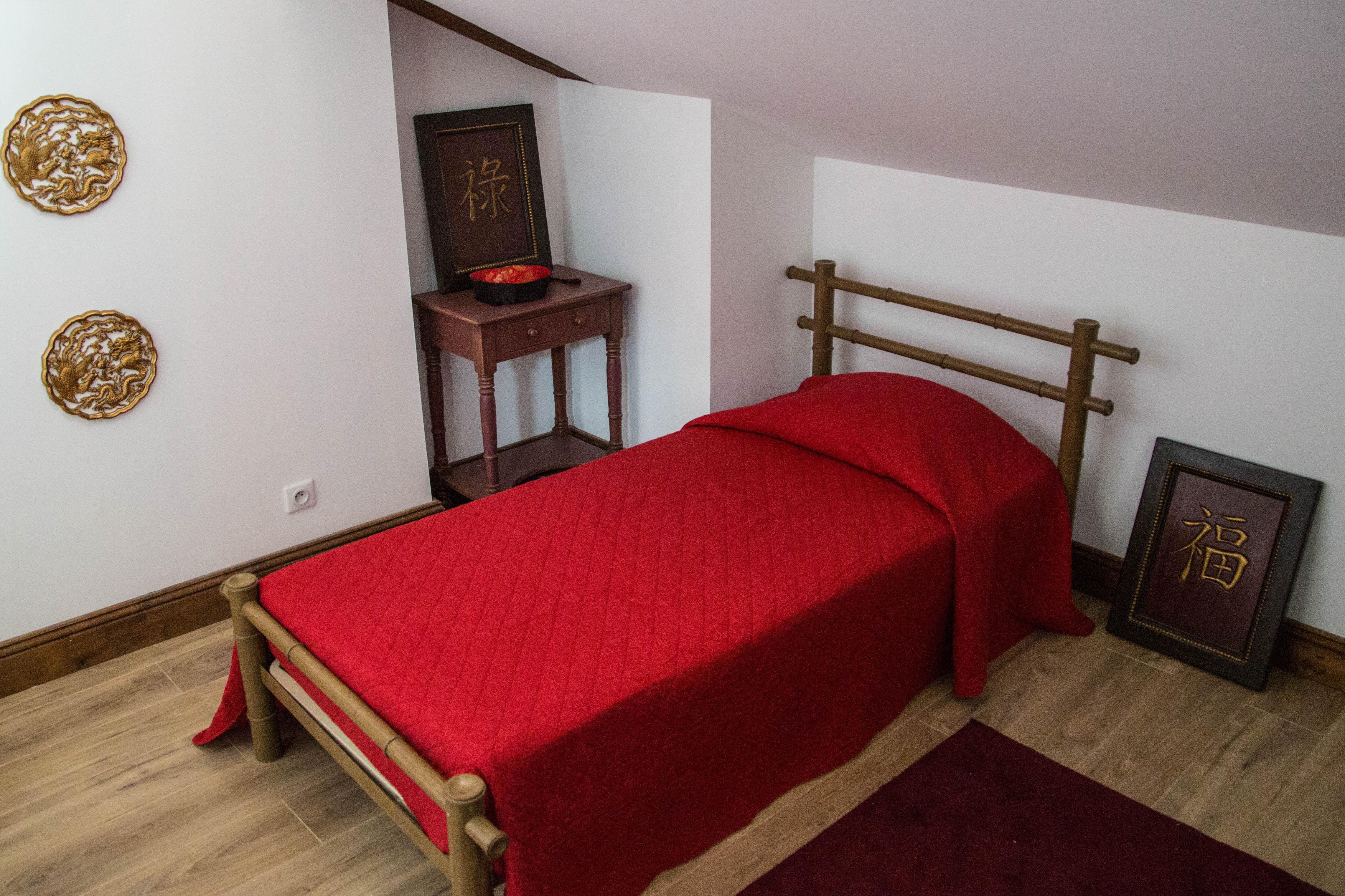 Chambre Chinoise — L\'orangerie du château de Bordus